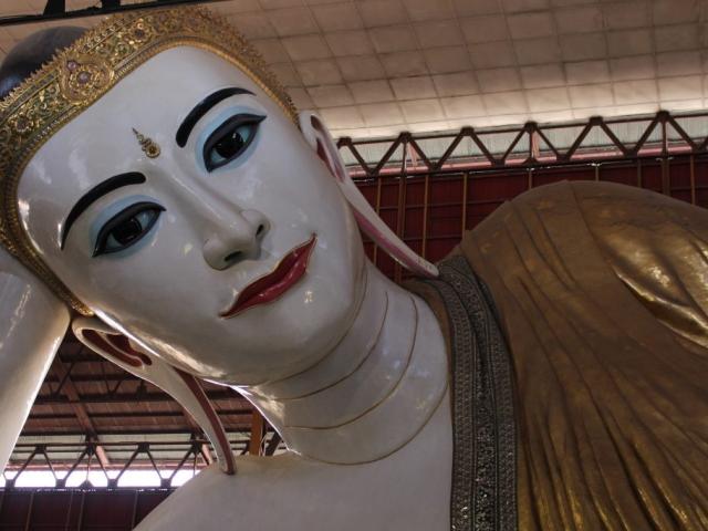 Yangon Stopover, Reclining Buddha Chaukhtatkyi