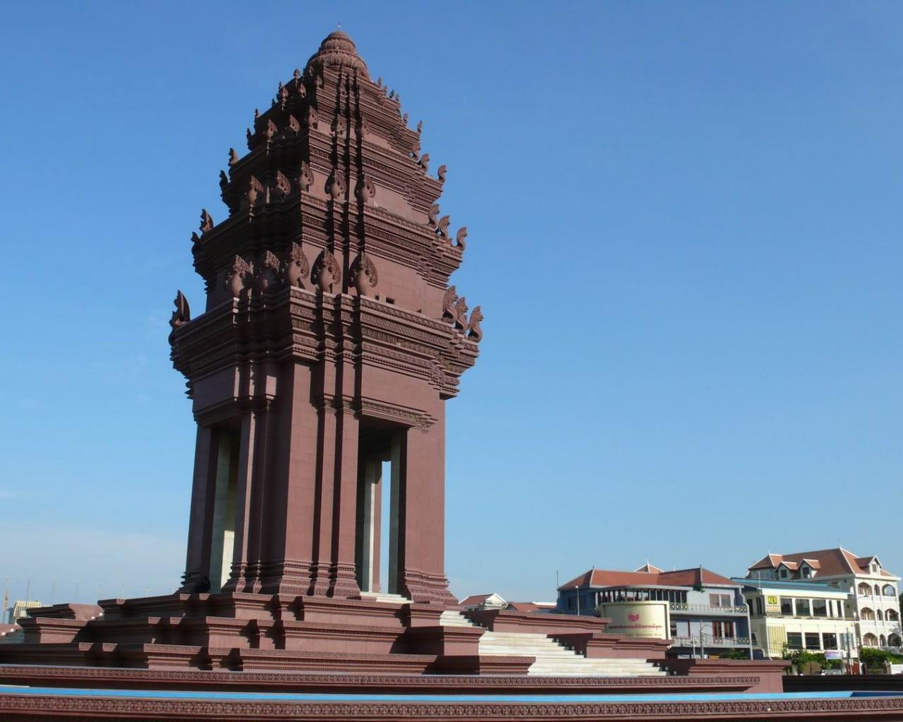 Cambodia Essential, Phnom Penh, Independence Monument