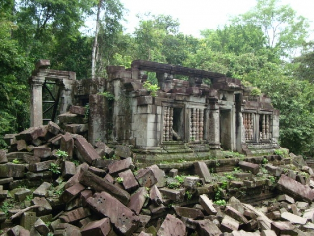 Siem Reap & The Legendary Angkor Wat, Beng Mealea