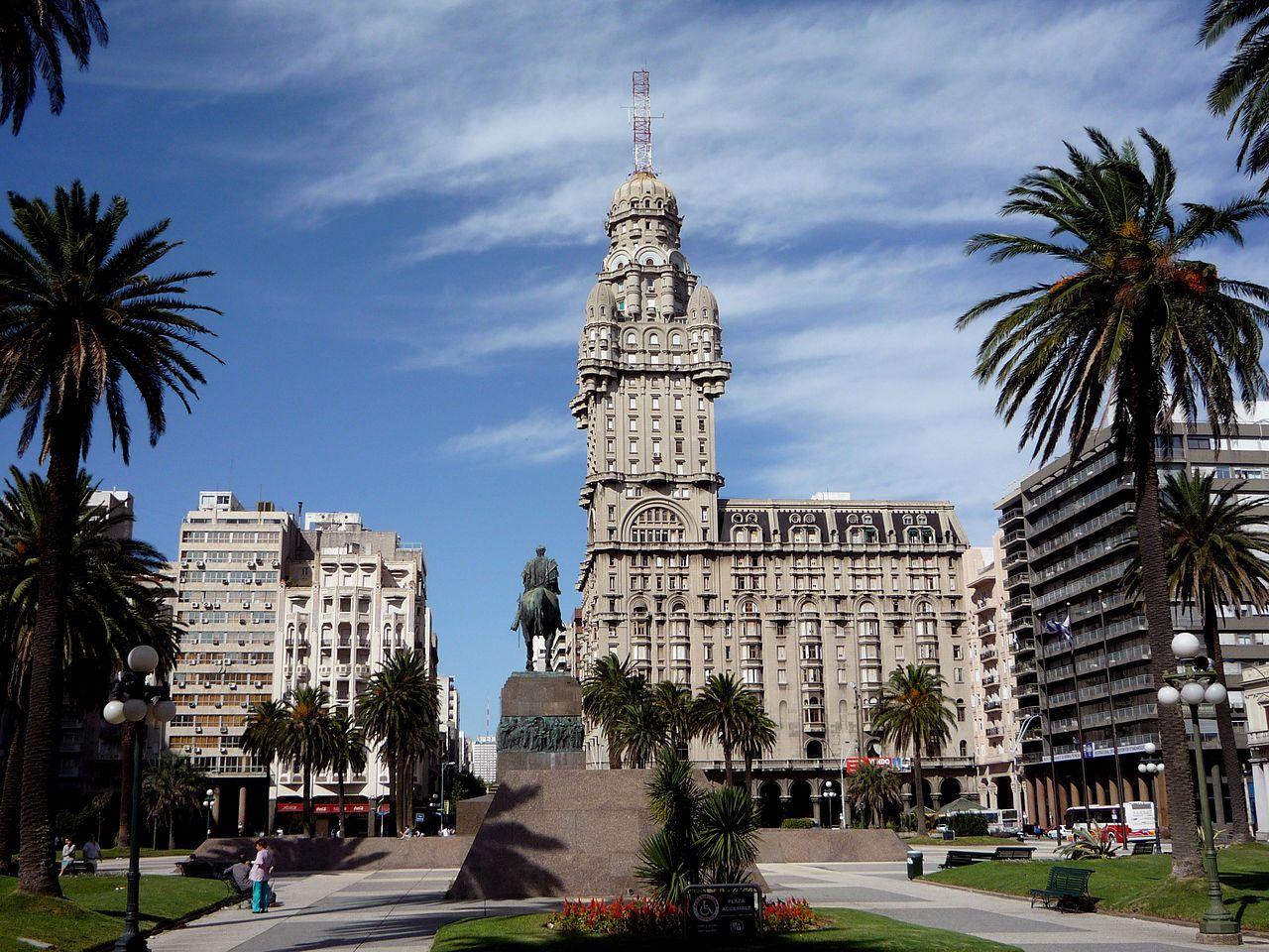 Uruguay, Montevideo, Palacio Salvo
