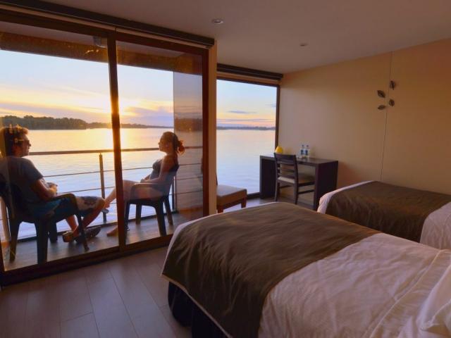 MV Anakonda Amazon Suites