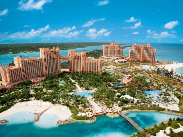 Nassau, The Atlantis Complex