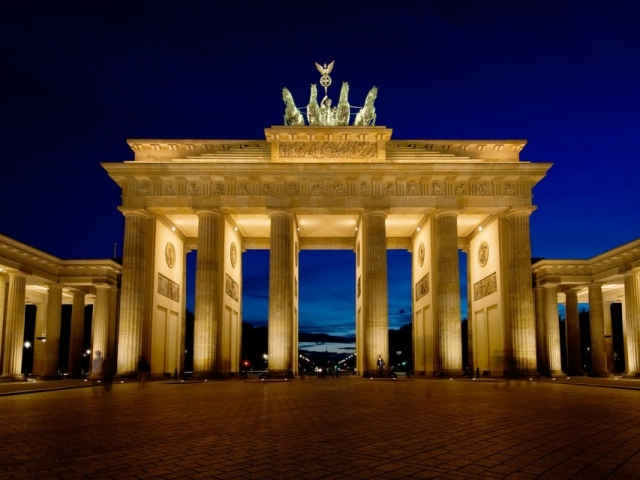 Highlights of Eastern Europe | Brandenburg Gate, Berlin, Germany