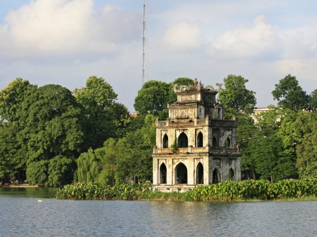 Hanoi & Halong Bay Discovery, Hanoi, Hoan Kiem Lake