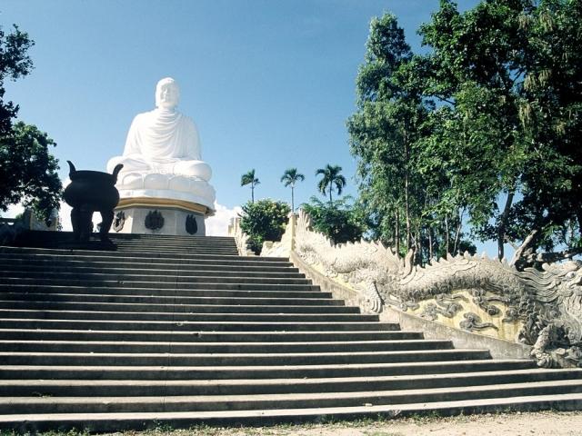 Vietnam Essential, Nha Trang, Long Son Pagoda