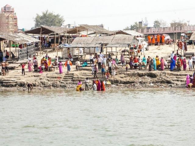 Pilgrims bathing in the Ganga at Sultanganj