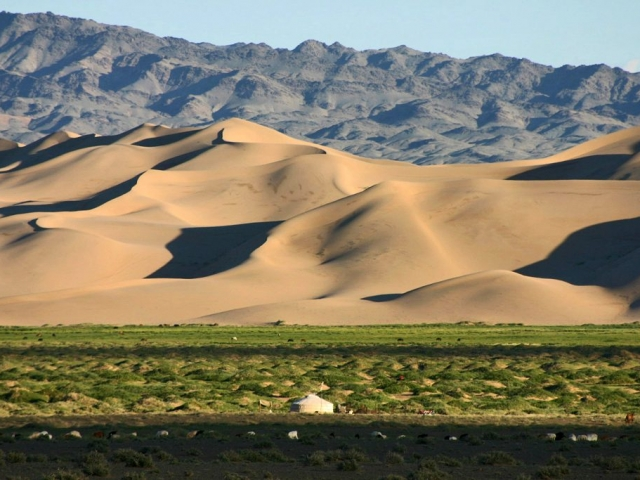Treasures of Mongolia - Khongor Sand Dunes