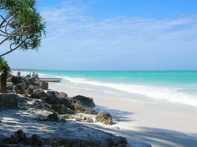 Zanzibar Escape - Beach