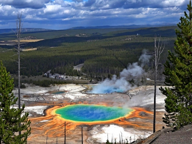 Exploring America's Great Parks | Yellowstone National Park, Wyoming, USA