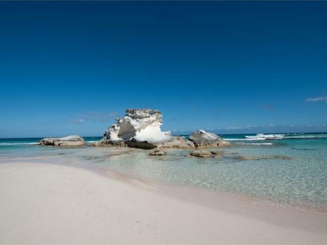 Bahamas, Long Island, Pozzoli