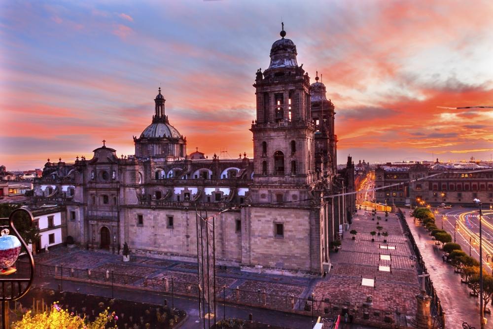 Mexico City Stopover, Mexico Metropolitan Cathedral & President's Palace in Zocalo