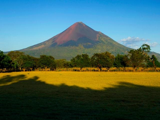 Nicaragua, Managua, Momotombo Volcano