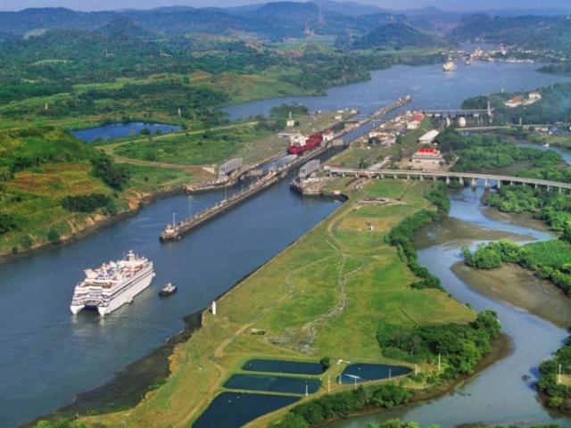 Panama, Panama City, Canal