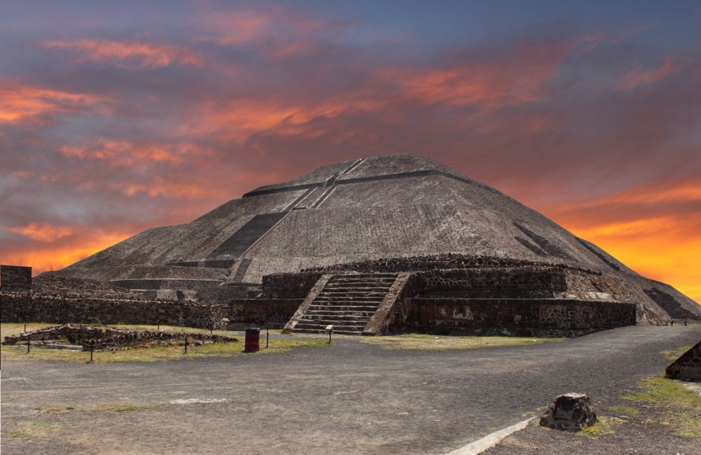 Mexico City Stopover, Pyramids in Teotihuacan