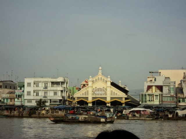 Phnom Penh to Saigon, River Scene