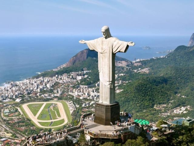 Brazil, Rio de Janeiro, Christ the Redeemer Statue
