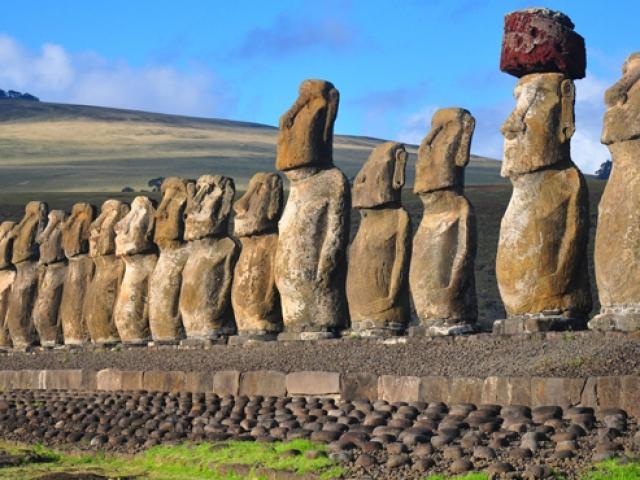 Chile, Easter Island, Ahu Tongariki