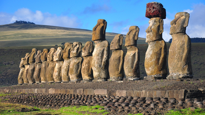 Chile, Easter Island, Ahu Tongariki
