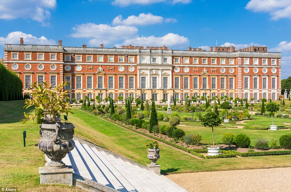 England, East Molesey, Hampton Court Palace & Gardens
