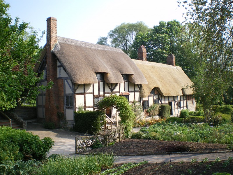 England, Stratford-upon-Avon, Anne Hathaway's Cottage & Gardens