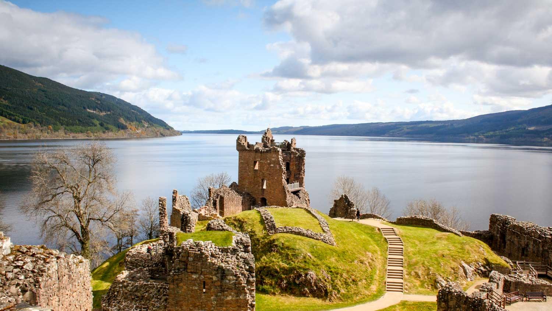 Scotland, Loch Ness, Urquhart Castle