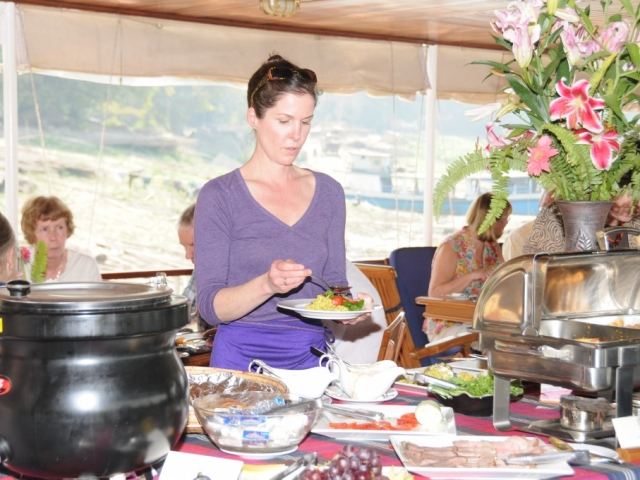 Pandaw River Expeditions, RV Katha Pandaw, Dining