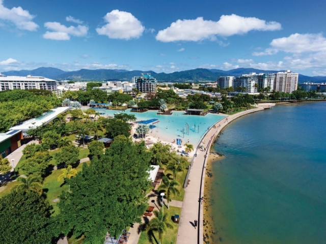 Carins and The Great Barrier Reef, Cairns
