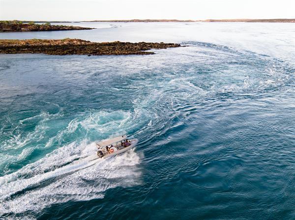 Cygnet Bay Pearl Farm - Giant Tides Tour