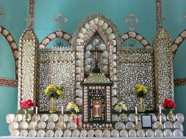 Dampier Peninsula - Beagle Bay Church, Pearl Shell Altar