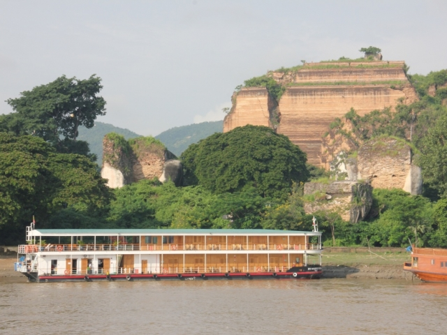 Pandaw Crusie - Bagan to Mandalay Short Cruise, Mingun