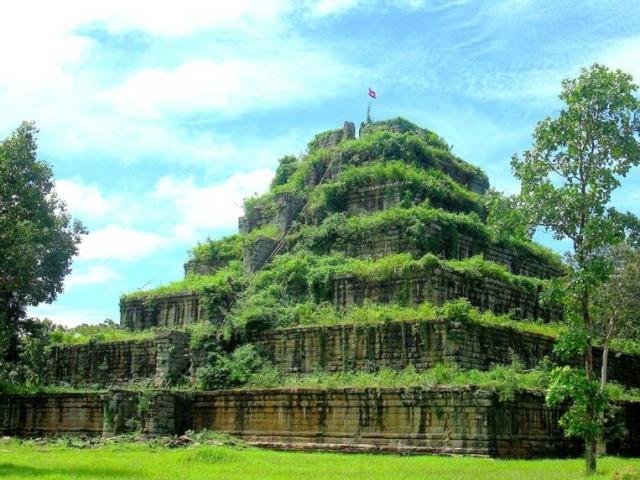 Jungles, Wildlife & Temples, Koh Ker Temple