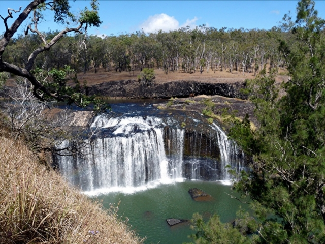Essence of the Outback, Millstream Falls