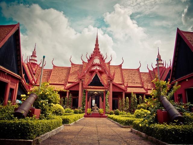 Temples of Angkor, Phnom Penh, National Museum