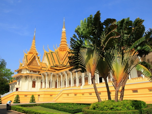 Laos & Cambodia Experience, Royal Palace Phnom Penh