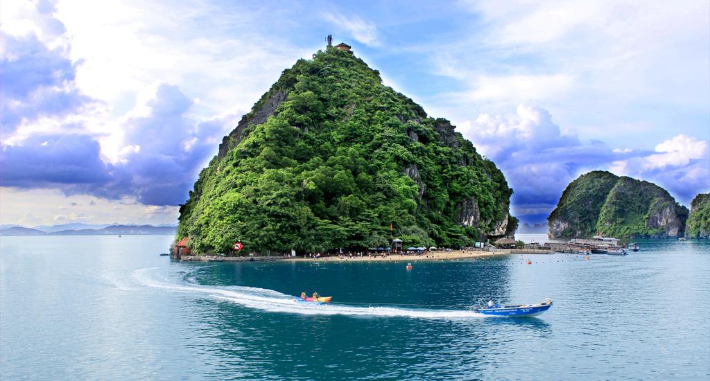 Simply Vietnam | Titop Island, Halong Bay, Vietnam