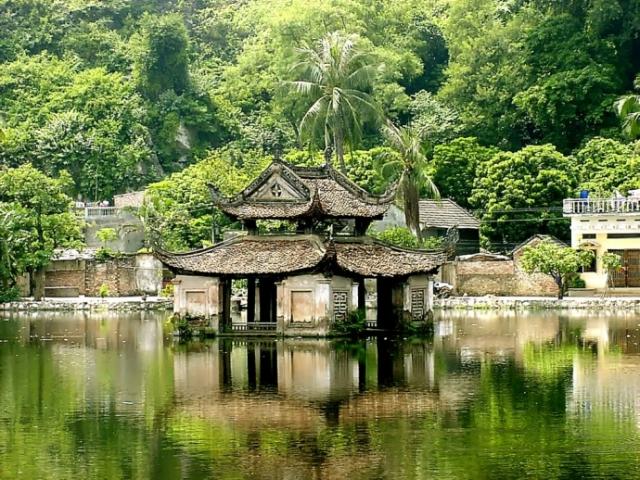 Simply Vietnam | Chua Thay Pagoda, Hanoi, Vietnam