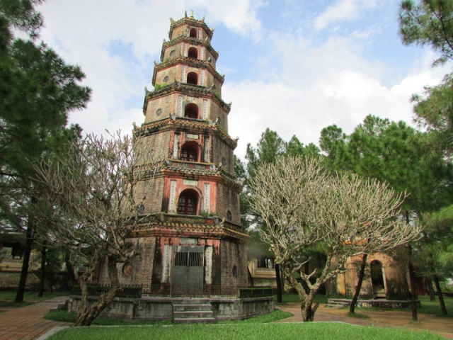 Indochina Explorer, Hue, Thien Mu Pagoda