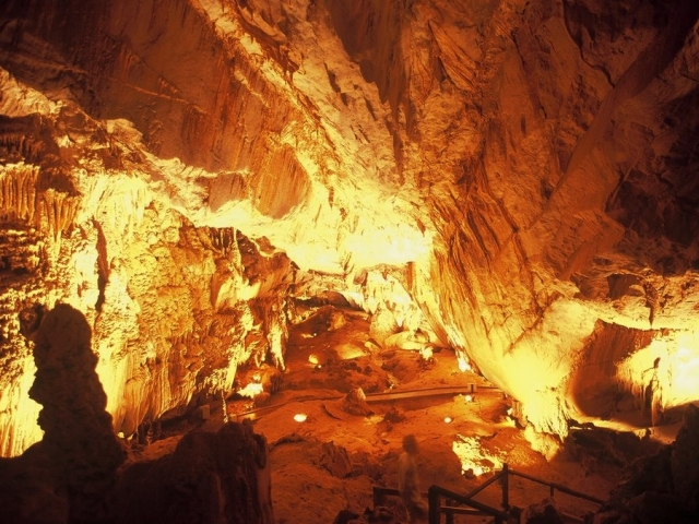 Mulu Cave Experience, Lang Cave