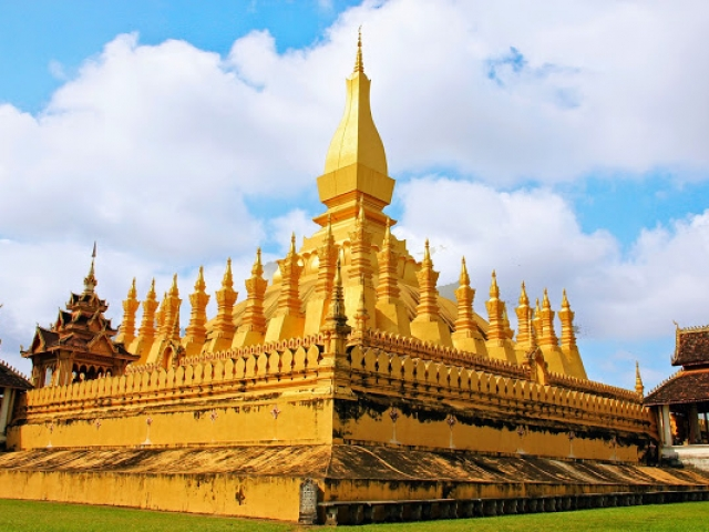 Vientiane Discovery, Vientiane, That Luang Stupa