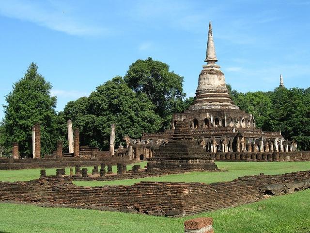 The Old Kingdoms of Thailand, Wat Chang Lom, Si Satchanalai Historical Park