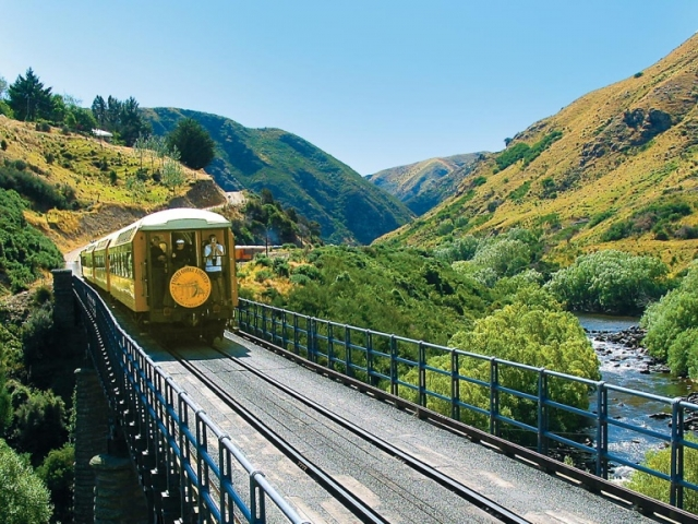 New Zealand Uncovered | Taieri Gorge Railway, Dunedin, New Zealand