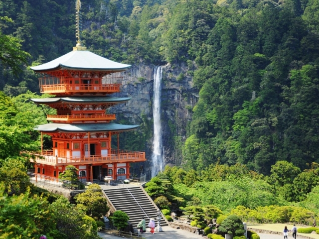 Spiritual Japan - Kumanom, Nachi waterfall
