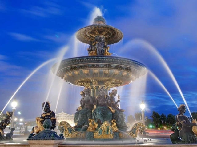 London & Paris, Fountains on the Place de la Concorde, Paris, France