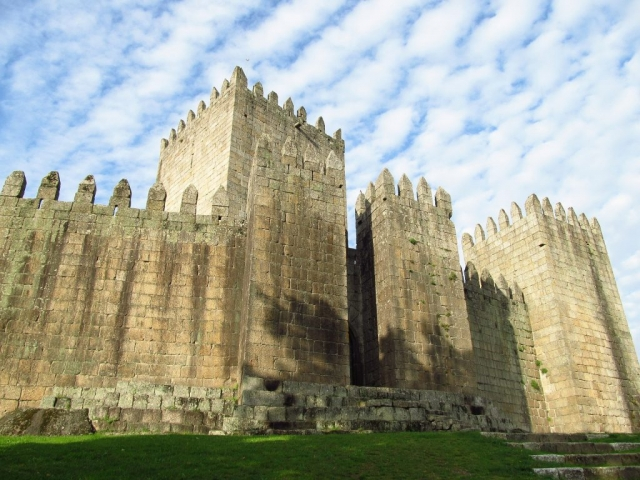 Discover Portugal, Guimaraes Castle, Guimaraes, Portugal