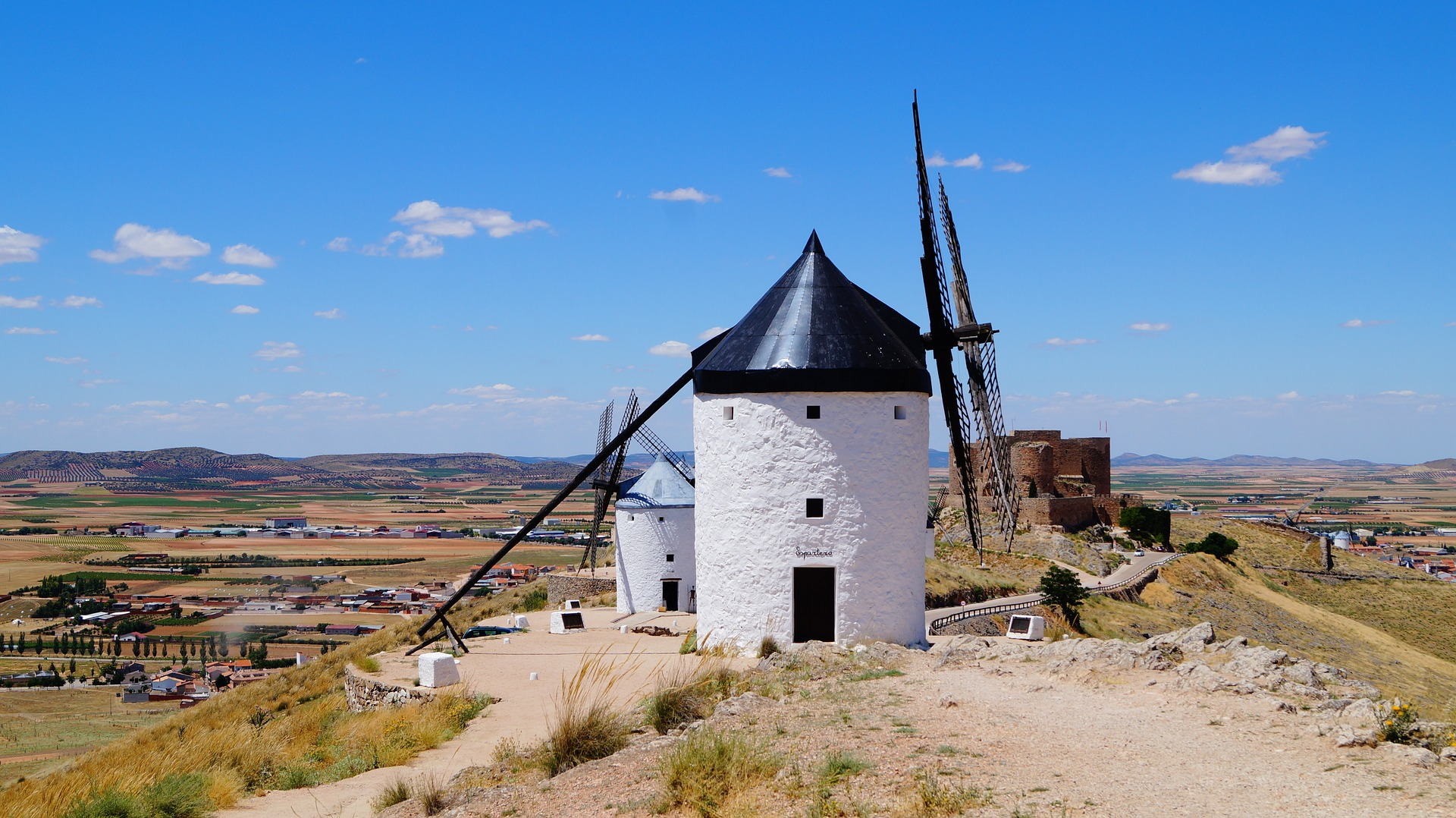 Spanish Fiesta |  Vast plains of La Mancha, Spain
