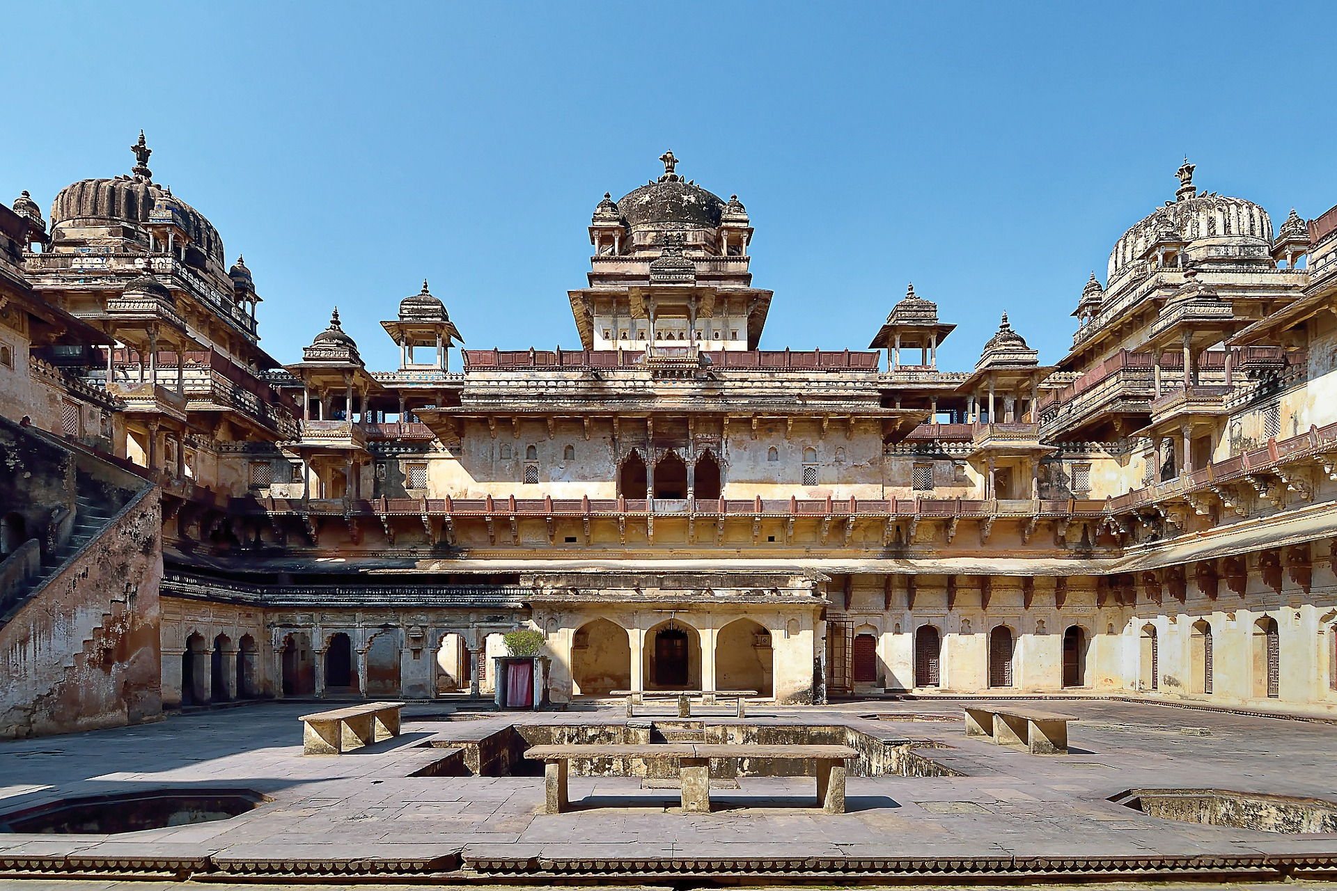 Golden India - Orchha Fort, India