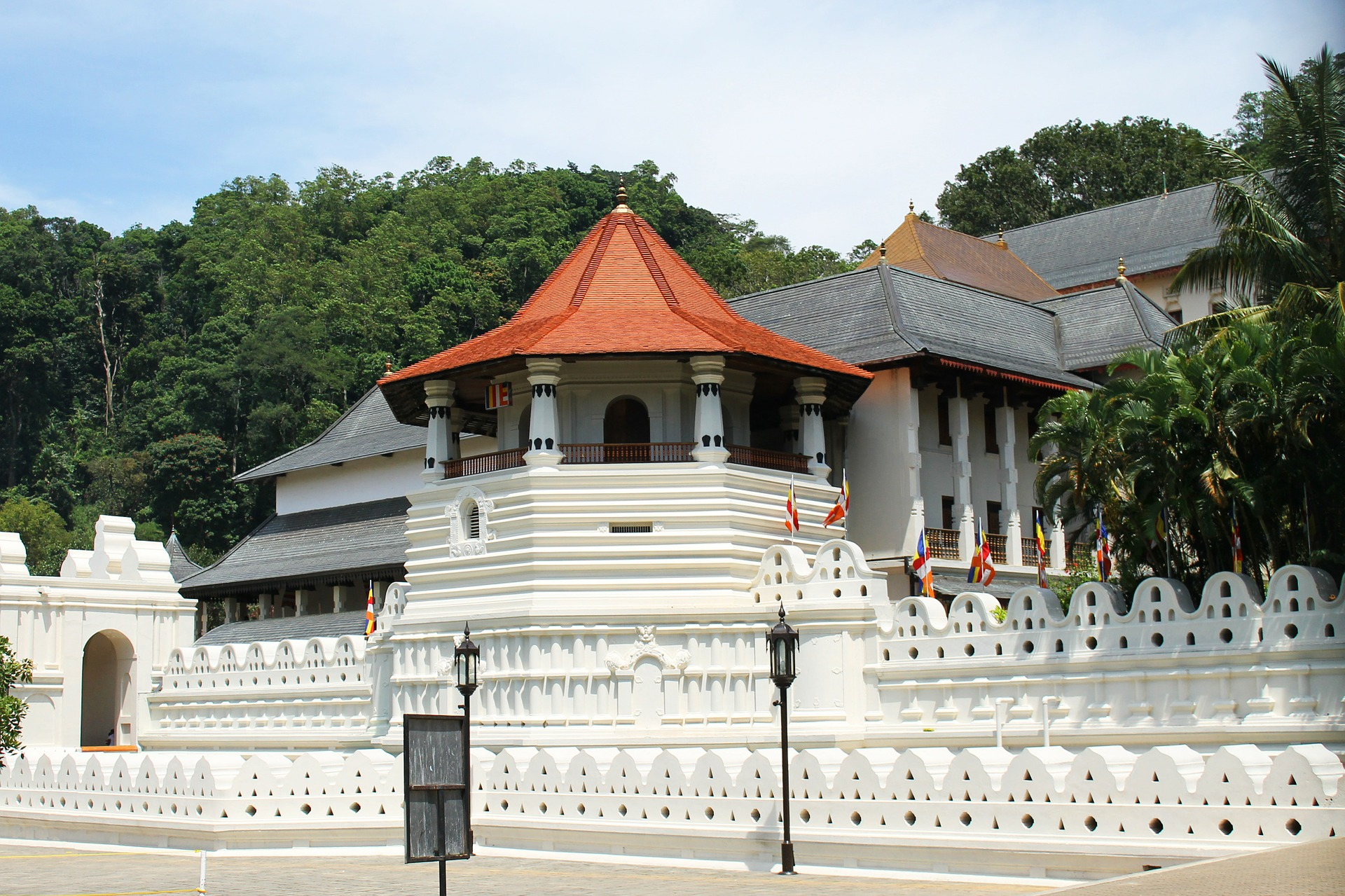 Sri Lanka In Style  - Temple of the Sacred Tooth Relic, Kandy, Sri Lanka