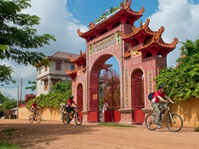 Angkor to Hoi An by Bike