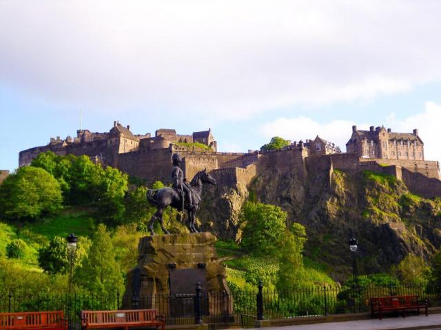 Britain & Ireland Highlights | Edinburgh Castle, Scotland